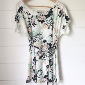 Oh Baby by Motherhood Beautiful Floral Blouse - L